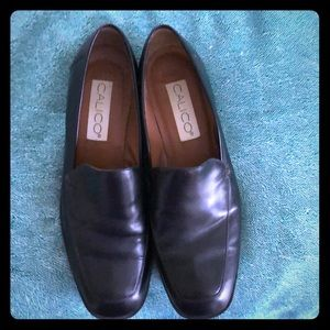 Classic Black Loafer! Great condition. Size 8